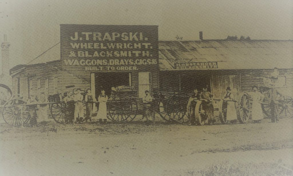 John Trapski's premises at Wyndahm 1907.  From Danzig to Dunedin – Trapski Family History.