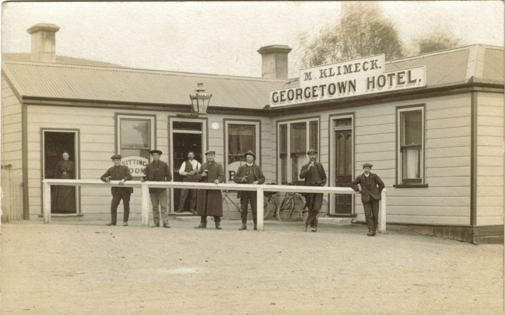 Klimeck George Hotel Minnie Klimek (nee Barra) at left door & Martin Klimeck at the other. 1916 Ca. Kindly provided by Pauline Lee